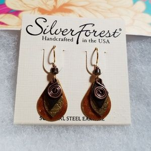 Jewelry - NWT! Cute earrings!